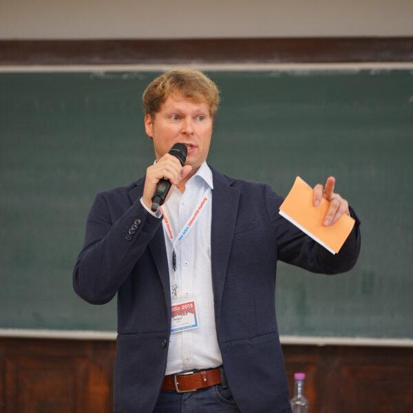 Holger beim Vortrag